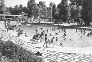 13_piscina-parque-campismo-monsanto-armando-serodio-1966